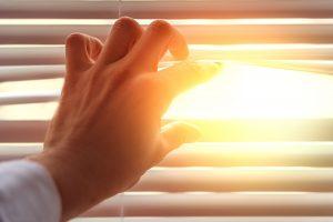 glarmester vindue direkte sol